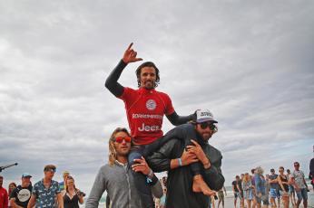 antoine delperro mens longboard winner by jason feast